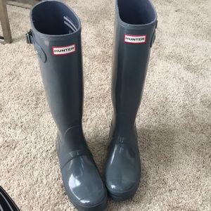 GRAY HUNTER BOOTS- size 8 in great condition